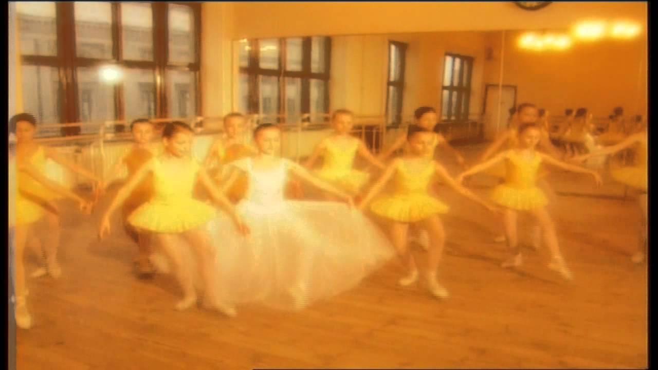 Chochliki – Tancerka z pozytywki