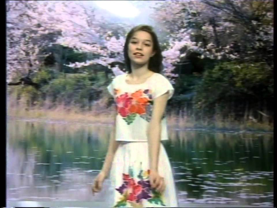 Chochliki – Wiosna w błękitnej sukience