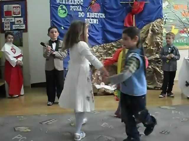 Przedstawienie Wielkanocne- dzieci z przedszkola w Krównikach