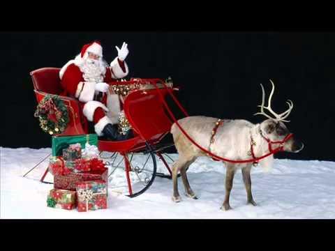 Święty Mikołaj ciężko pracuje, piękne prezenty wszystkim szykuje